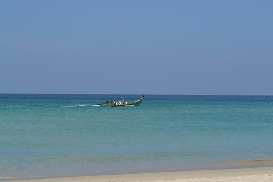 phuket_bort_in_ocean