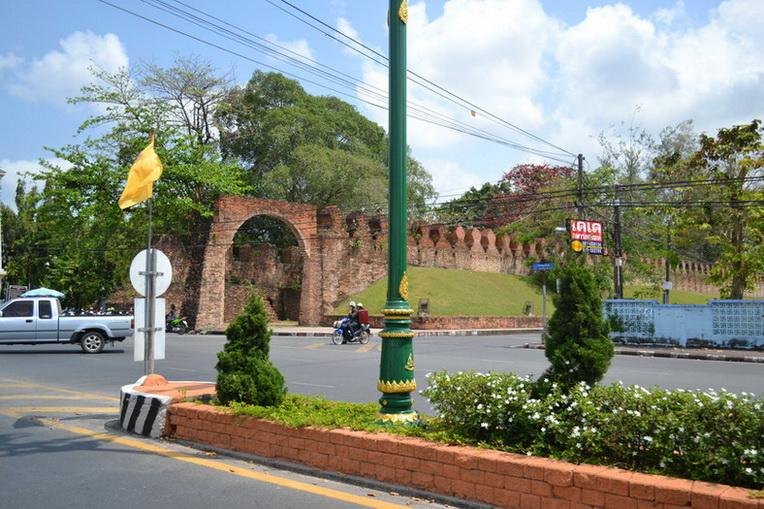 Городское укрепление Накхонситаммарат