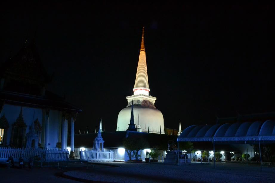 Ночной Накхонситаммарат