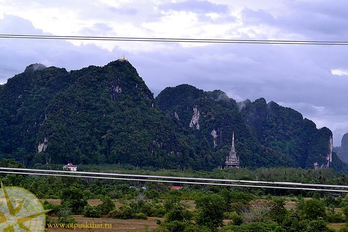 Гора с Буддой