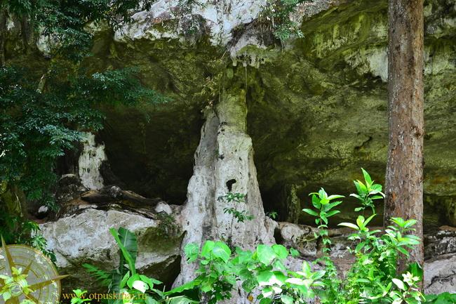 Скалы пещеры Краби