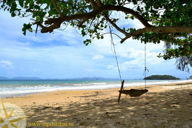 Качели на пляже Краби